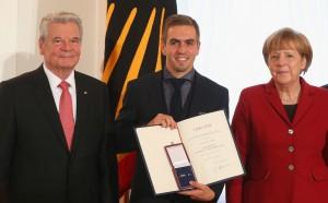 СНИМКИ: Огромнa чест за световните шампиони, наградиха ги със специален oрден