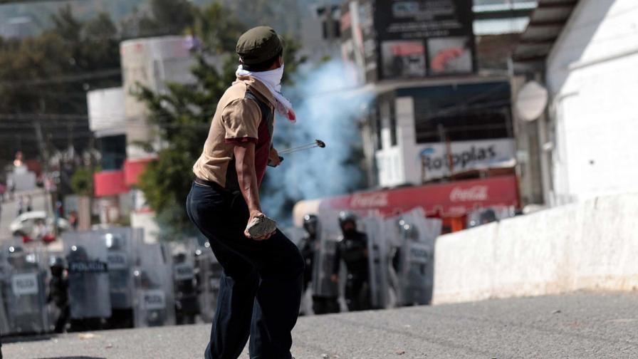 Нови протести в Мексико и нови палежи
