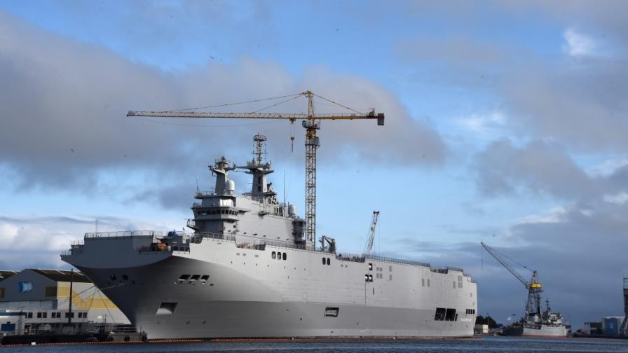 """Един от двата кораба тип """"Мистрал"""", построени за Русия"""