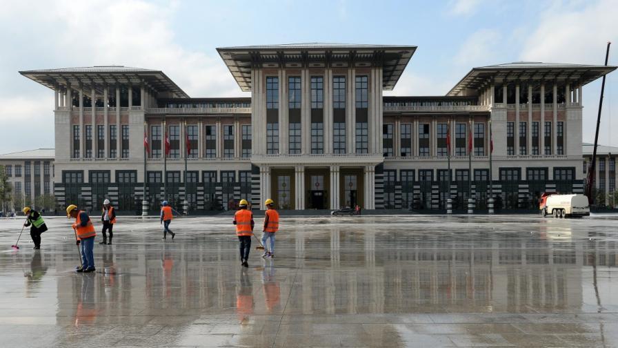 Колко струва сметката за ток на Ердоган и кой я плаща