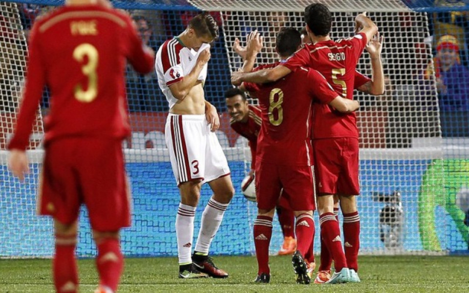 Испания с лек успех, Словакия продължава да бие наред