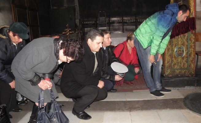 В храмовете днес бяха отслужени молитви в памет на загиналите при катастрофи