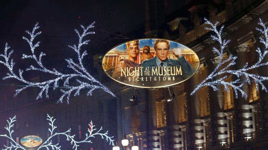 """Темата на осветлението на """"Риджънт стрийт"""" е филмът """"Нощ в музея"""""""