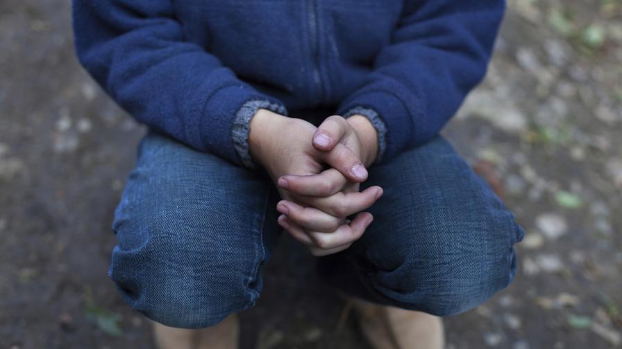 Почти всяко второ дете у нас страда от материални лишения