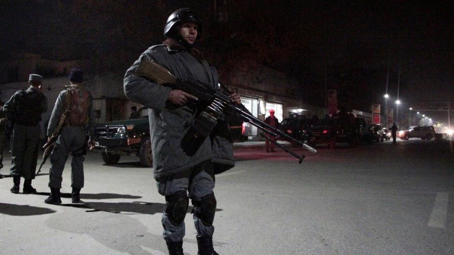 Взривове разтърсиха дипломатическия квартал в Кабул