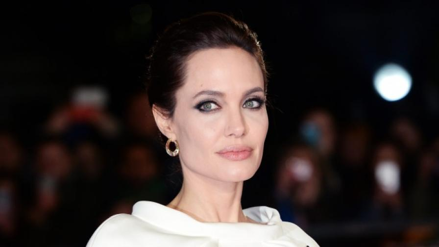 Анджелина Джоли се срещна с папа Франциск