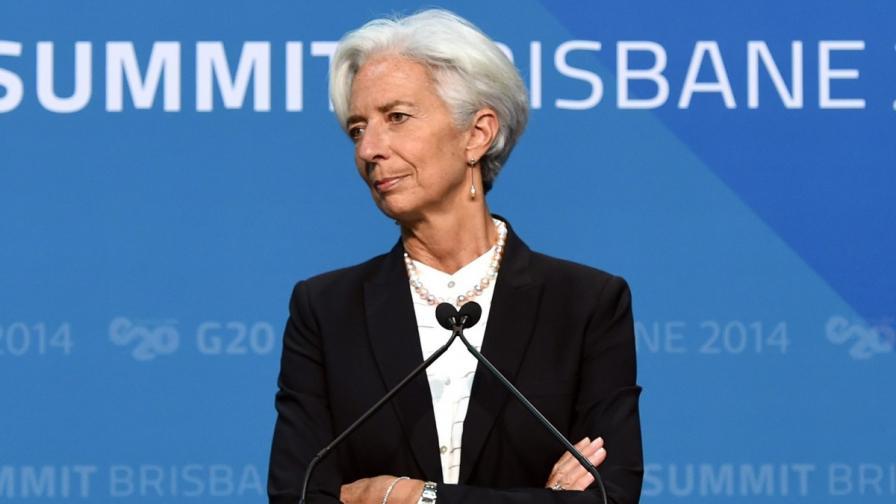 МВФ: Поевтиняването на петрола е добра новина