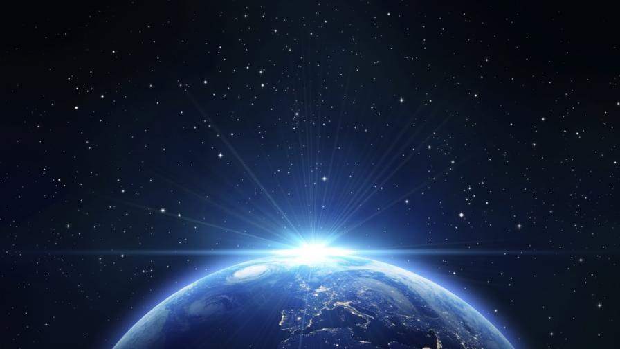 Музикант иска да докаже, че Земята е плоска със сателити