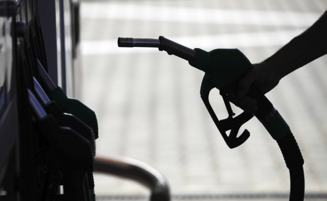 Бензинът стигна 2 лв. за литър в София