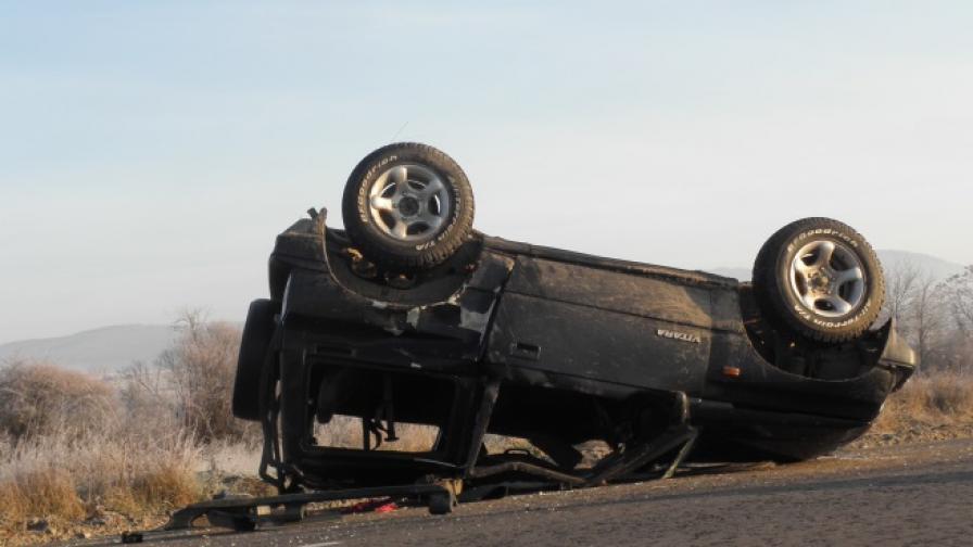 3-ма ученици и мъж на 23 г. пострадаха в катастрофи до Банско
