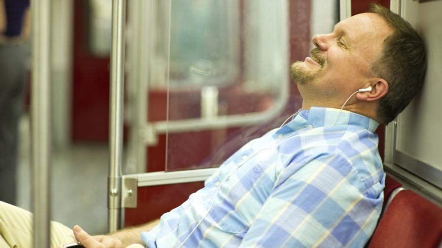 Нюйоркското метро с кампания срещу разкрачените мъже