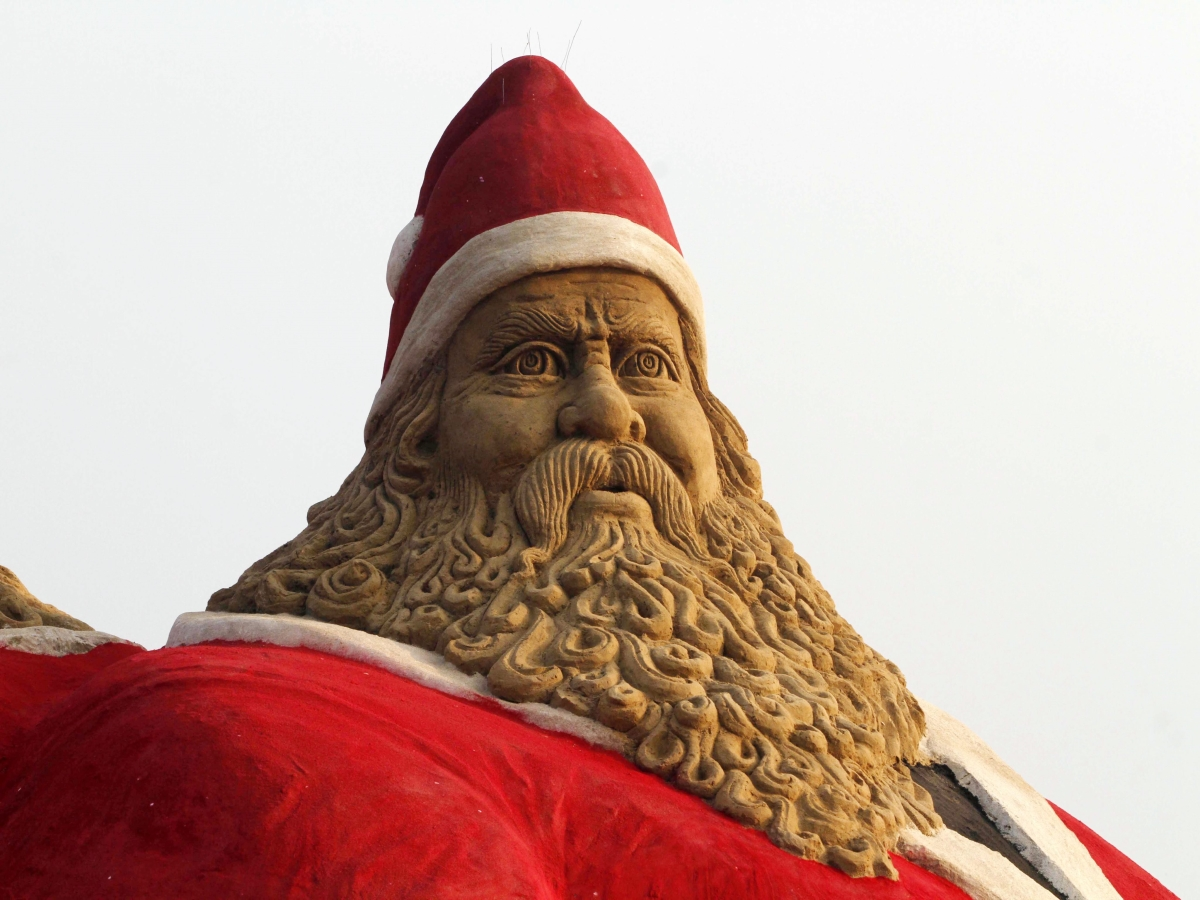Пясъчна фигура на Дядо Коледа в Индия