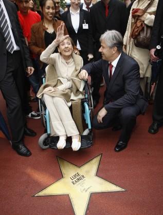 Луиз Рейнър получи звезда на Алеята на славата през 2011 г.