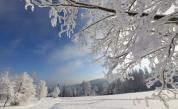 Сняг скова България, кои пътища са затворени