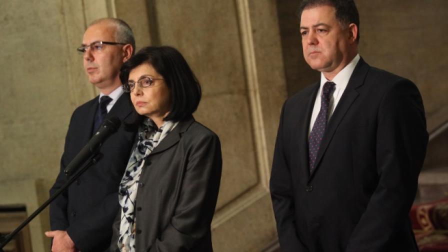 Министрите Веселин Вучков, Меглена Кунева и Николай Ненчев дадоха брифинг след оперативно заседание на Министерски съвет