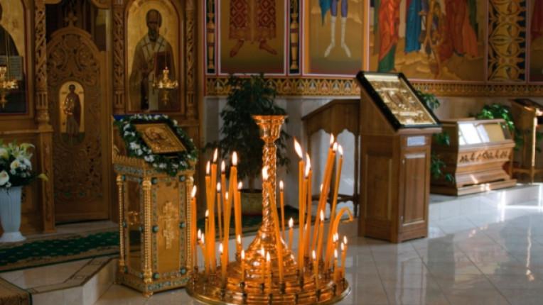църква свещ