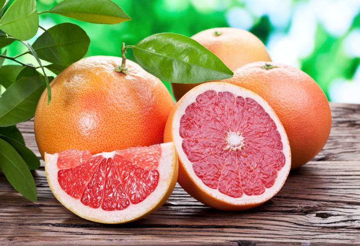 <p>Екстракт от семките на грейпфрут помага при гастрит и различни възпаления. Приемайте го на капки, а всеки ден започвайте със сока от един грейпфрут.</p>