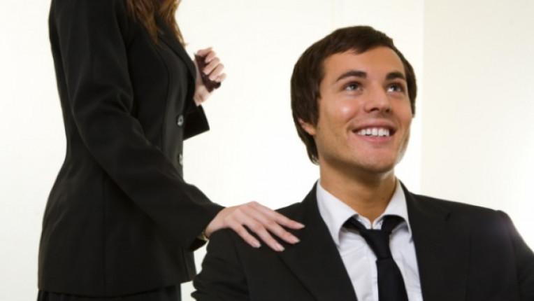 флирт работа бизнес среща предизвикателно поведение сделка