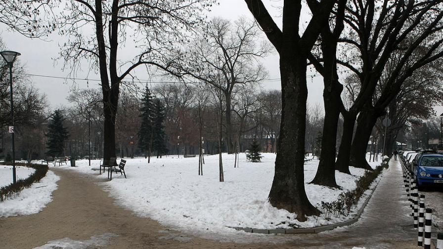 20 градуса разлика за ден, идва сняг, опасно време утре