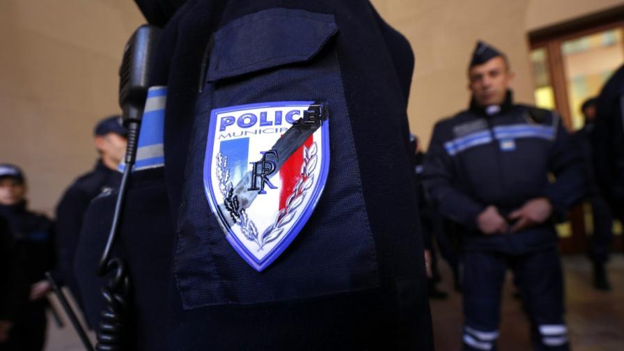 """Продължава издирването на нападателите на """"Шарли ебдо"""""""