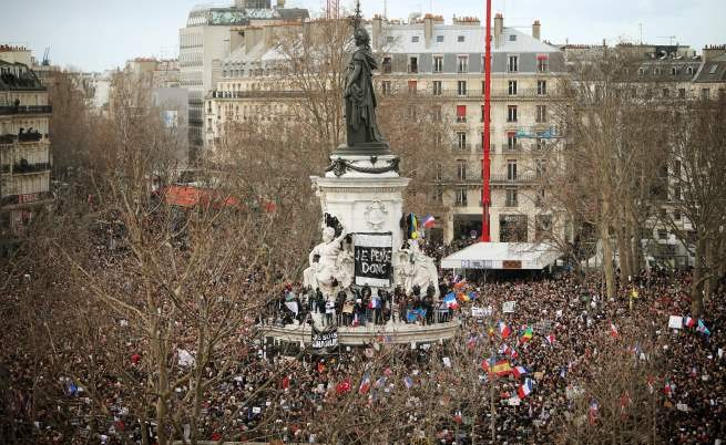 3,7 млн. души демонстрират срещу екстремизма в цяла Франция