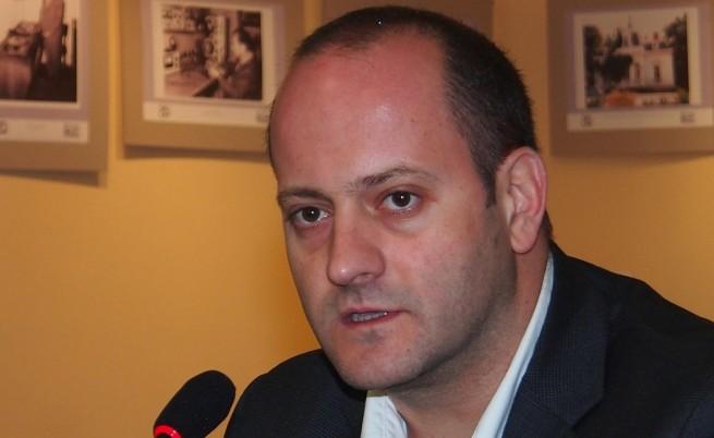 Радан Кънев поиска оставка на ръководството на КФН