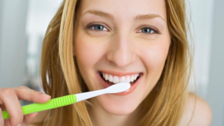 зъби четка хигиена семейство