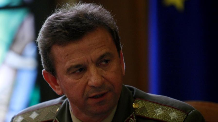 Почина зам.-началникът на отбраната ген. Нейко Ненов