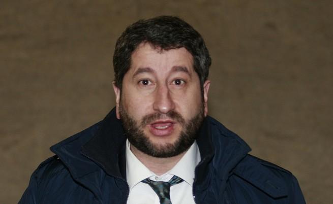 Христо Иванов изпраща затворници да помагат в наводнените райони
