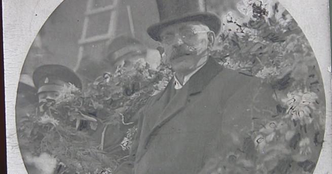 Снимка: Бащата на народа, пред когото българите плакаха