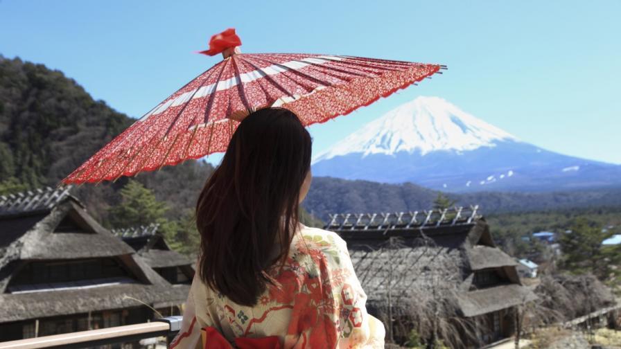 Планината Фуджи в Япония е една от най-големите забележителности на страната