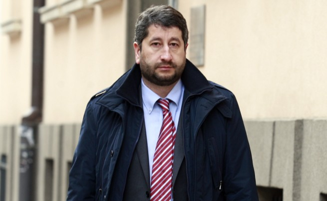 Министър Иванов е против самоцелно освобождаване на членове на ВСС