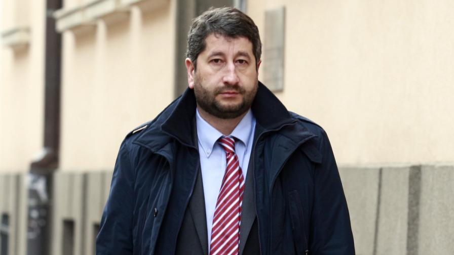 Министър Иванов поиска дисциплинарно наказание за втори съдия