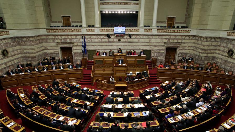 Ципрас получи вот на доверие преди разговорите с кредиторите