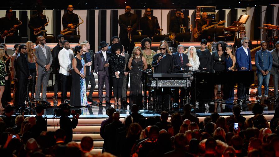 Звезди пяха на специален концерт в чест на Уондър