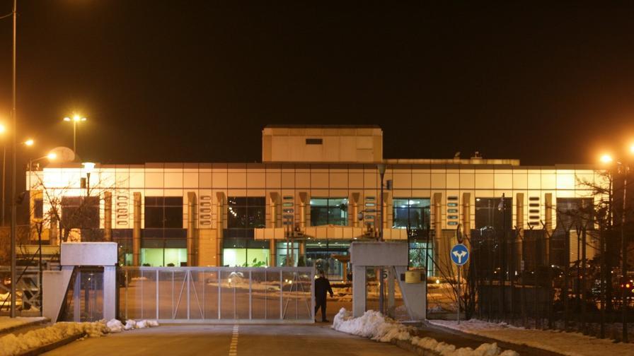 Технически проблем приземи самолета на Борисов в София