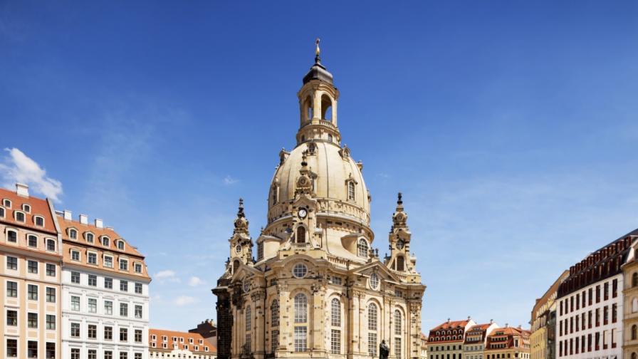 Германия си спомня жертвите на бомбардировките на Дрезден преди 70 г.