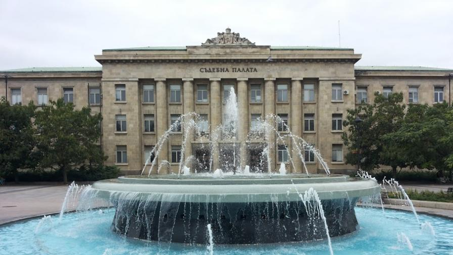 Обвиниха съдия от Районния съд в Русе за корупция