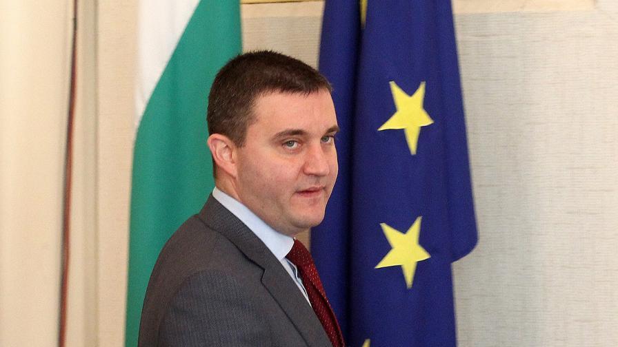 Горанов потвърди за двама кандидати за шеф на БНБ