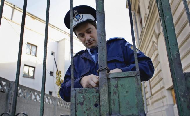 Румъния: Правителство зад решетките