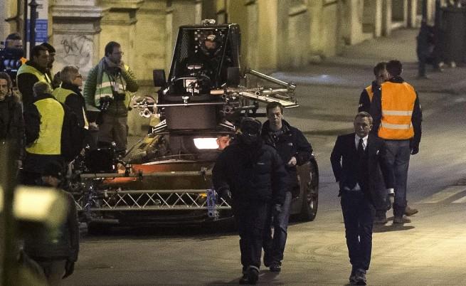 Снимките на новия филм за Джеймс Бонд се преместиха в Рим