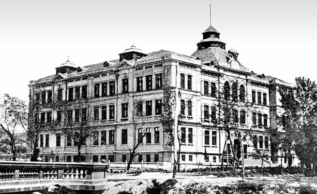 Сградата на ВТУ във Варна - 20-те години на миналия век