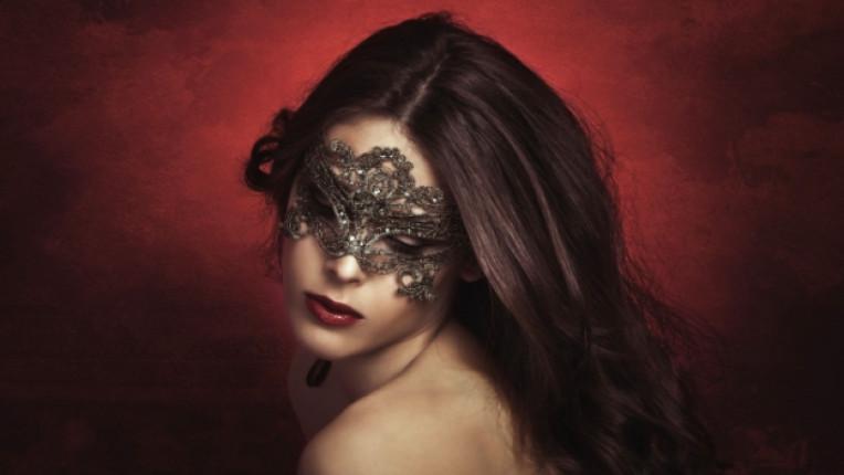 жена маска болка любов интимно садо мазо