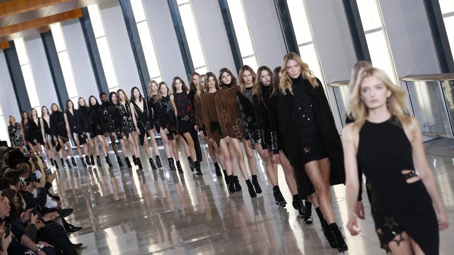 Мода от Париж: Усещане за прозрачност и ретро полъх