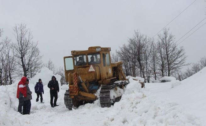 Над 280 населени места все още са без ток, някои села остават изолирани