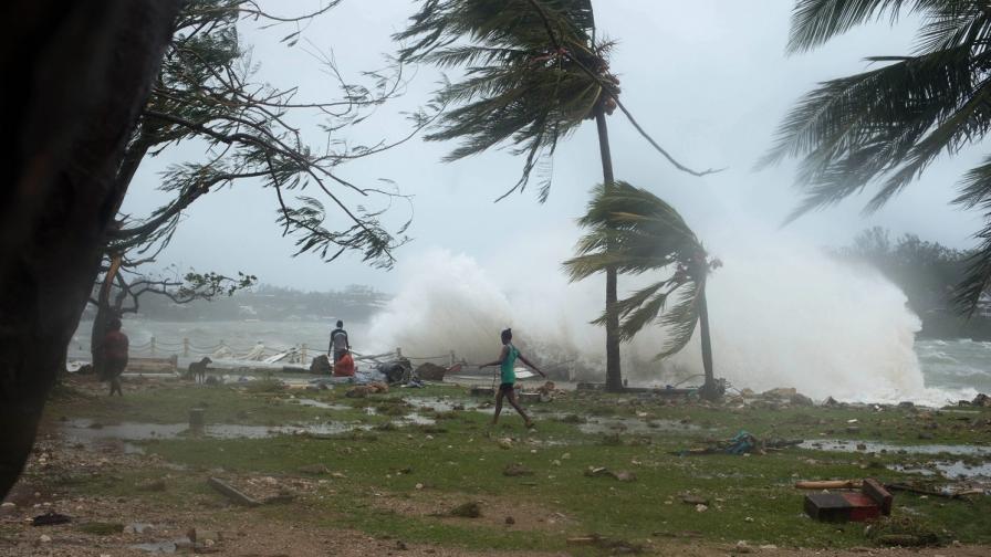Буря от пета степен връхлетя островната държава Вануату