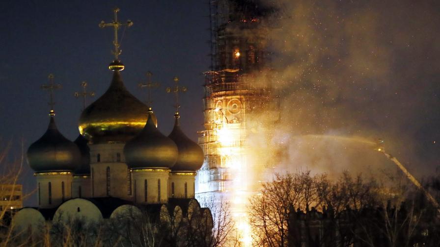 Пожар избухна в прочут манастир в Москва