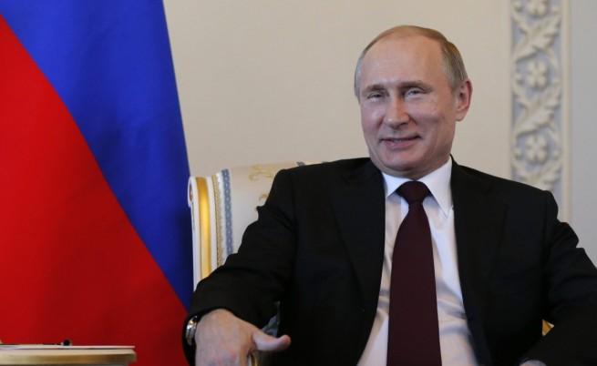 Владимир Путин се появи публично за пръв път от 10 дни насам