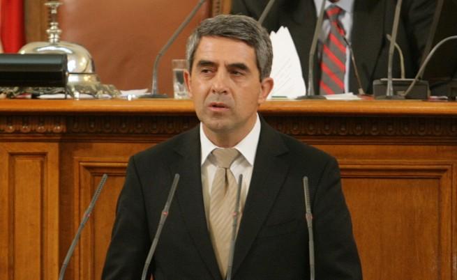 Президентът отрече искането за референдум да е незаконно