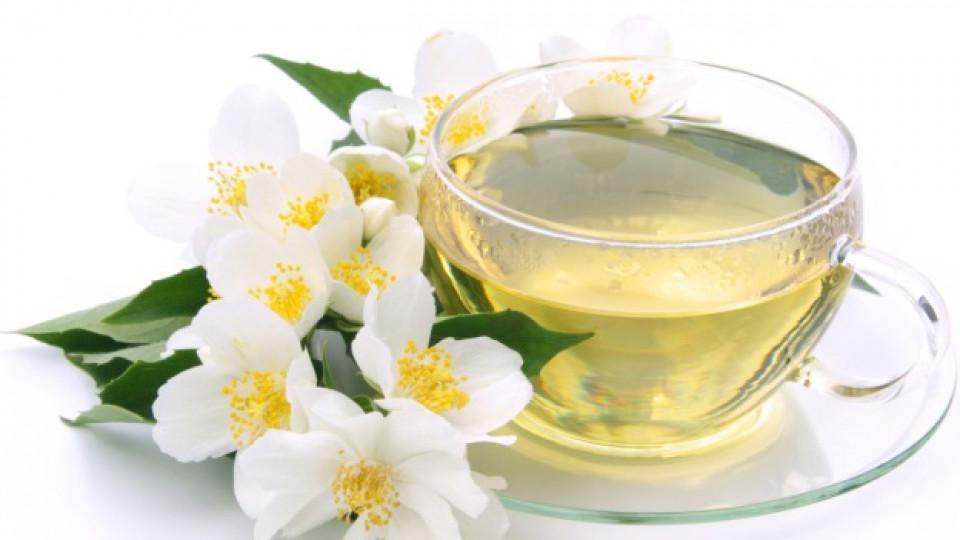Чаша бял чай на ден ще ни дари със сияйна кожа